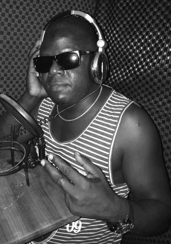 Mkurugenzi wa Kampuni ya Watanashati Entertainment, Ostaz Juma Namusoma