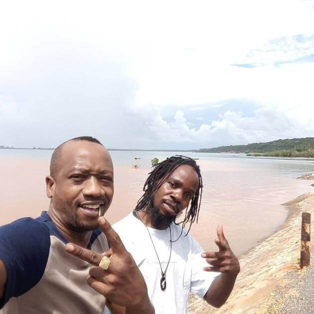 Muimbaji wa Bongo Fleva TID akiwa na rapper KR Mullah