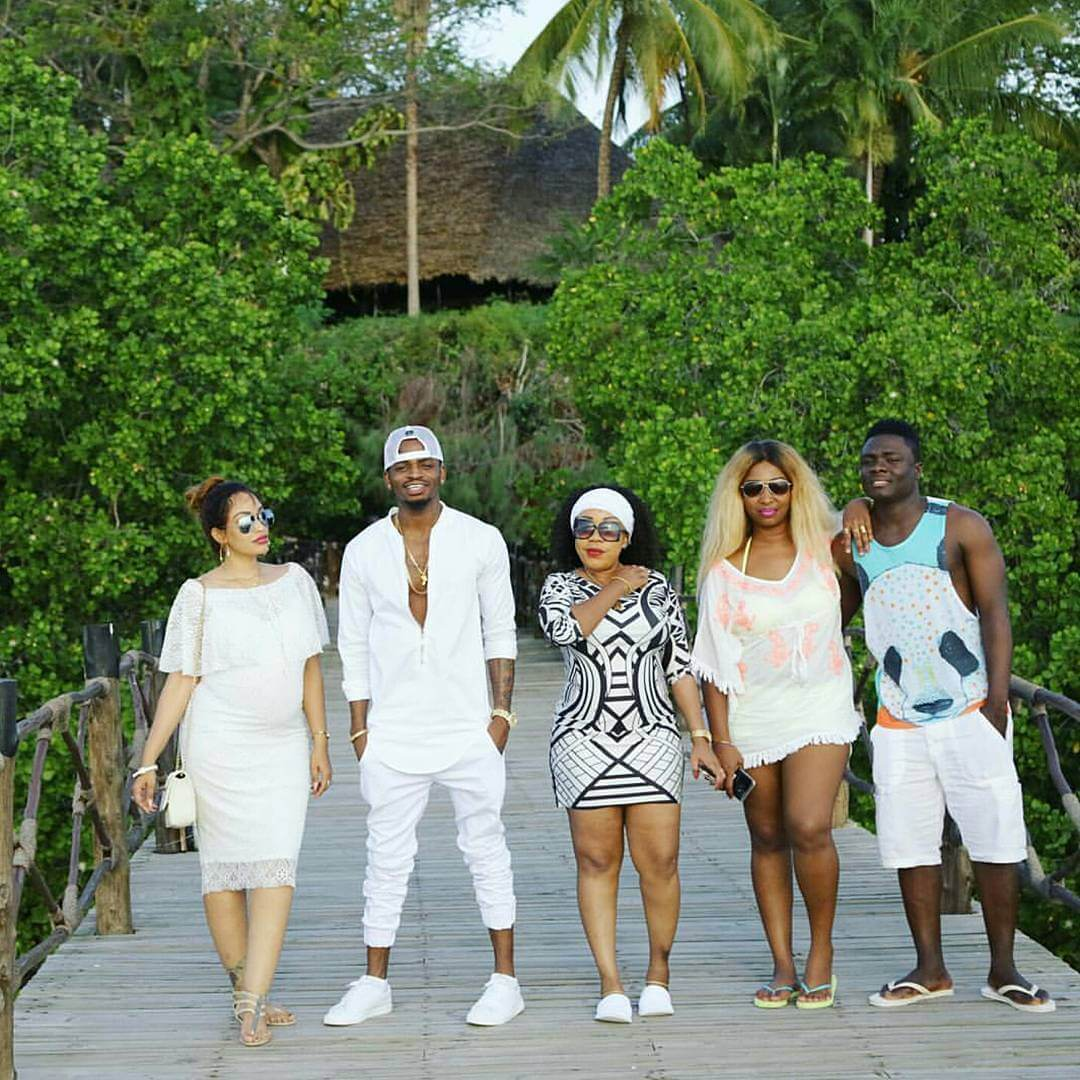 Picha: Bata La Diamond Na Zari Huko Zanzibar